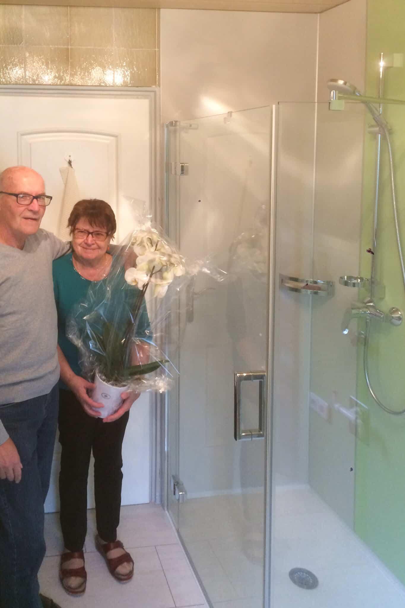 viterma Badrenovierung Nachher-Situation glückliche Kunden