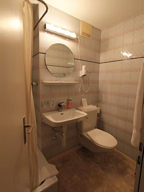 Hotel Bad Sanierung im Hotel Resslirytti - viterma