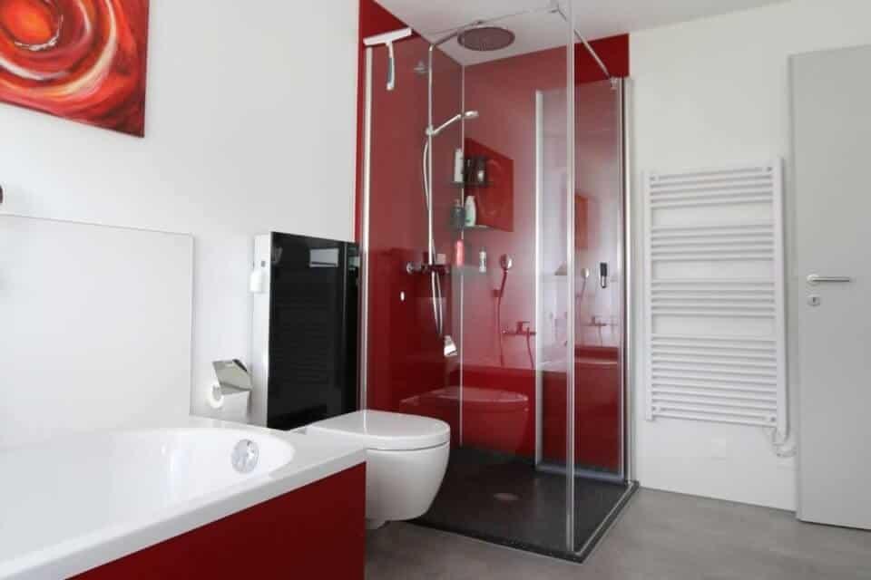 Viterma: Ihr neues Wohlfühlbad mit maßgefertigter Dusche